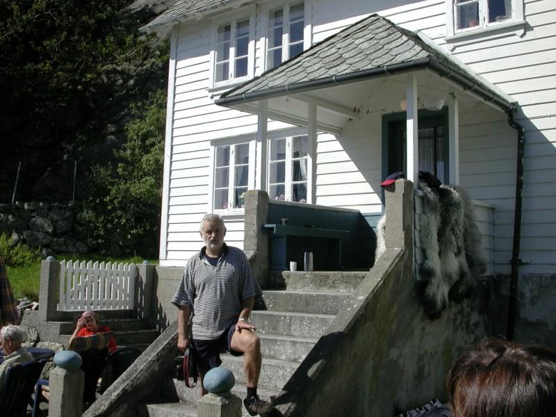 Eigaren Sortland fortel om Hanøyo