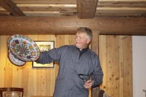 Jens Litlabø fotrtel om  eit gamalt fat på garden