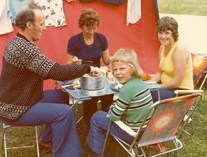 Middagsmåltid på campingvis. Foto: privat